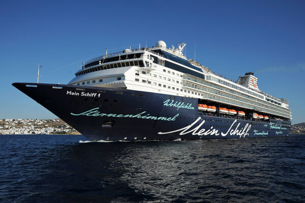 Ms Mein Schiff In StPetersburg Russia Excursions - St petersburg tours for cruise ship passengers